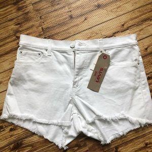 NWT Levi's high rise white shorts 10/W30 14/W32